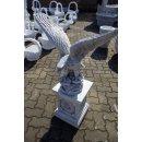 Adler mit Standsäule Greifvogel Falke Steinadler Weiß - Grau Höhe: 99cm